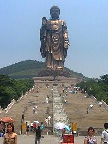 statues bouddha extérieur