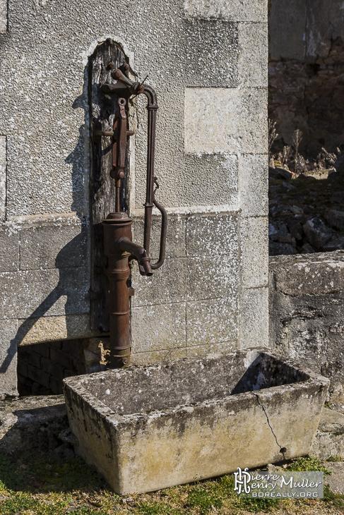 pompe fontaine a eau
