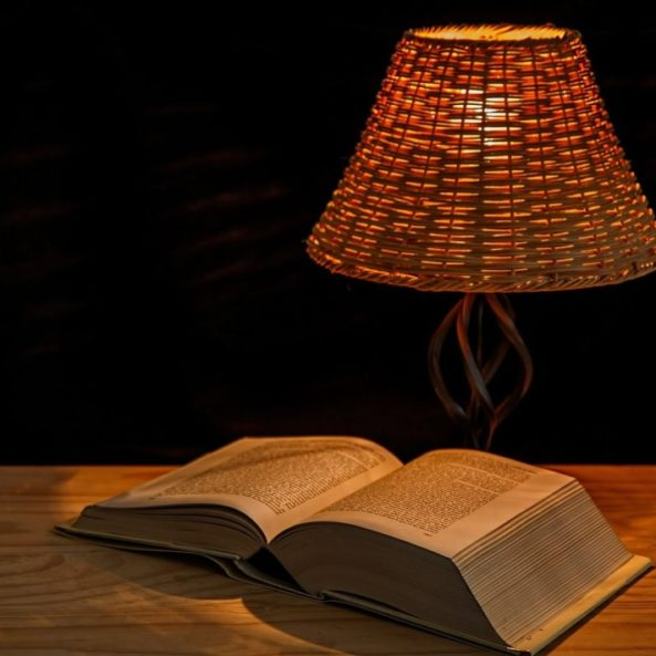 lampe pour lire un livre